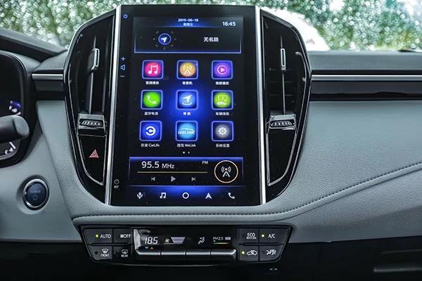 受到市场认可的丰田雷凌,除了操控的优势外,还有哪些优点?