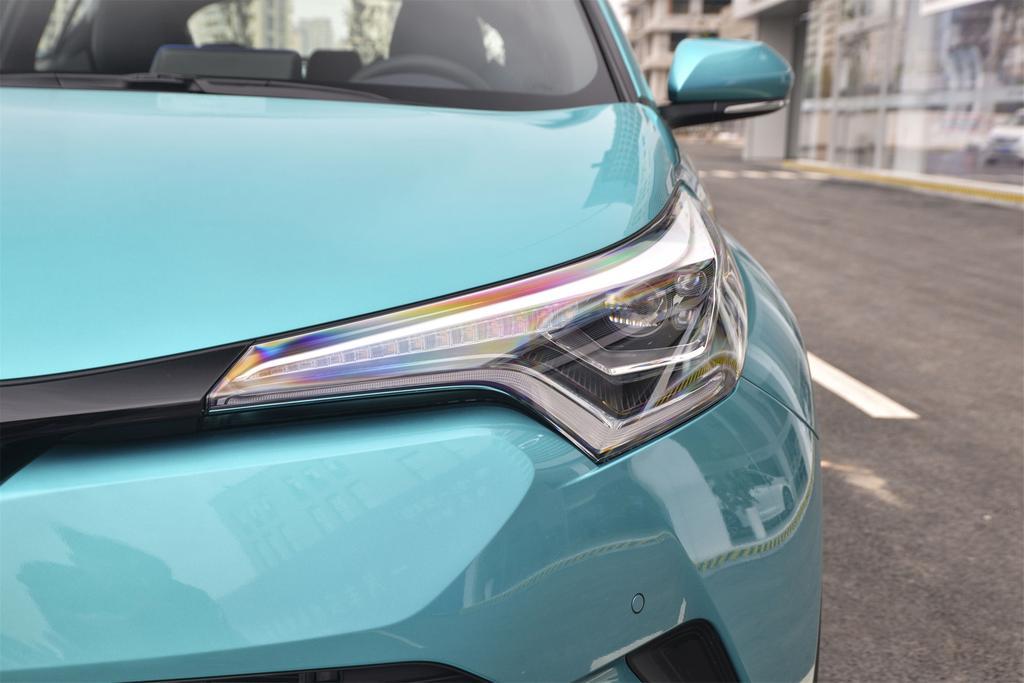 丰田C-HR热销中 价格直降1.6万