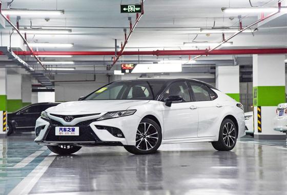 凯美瑞平价销售17.98万起 可试乘试驾